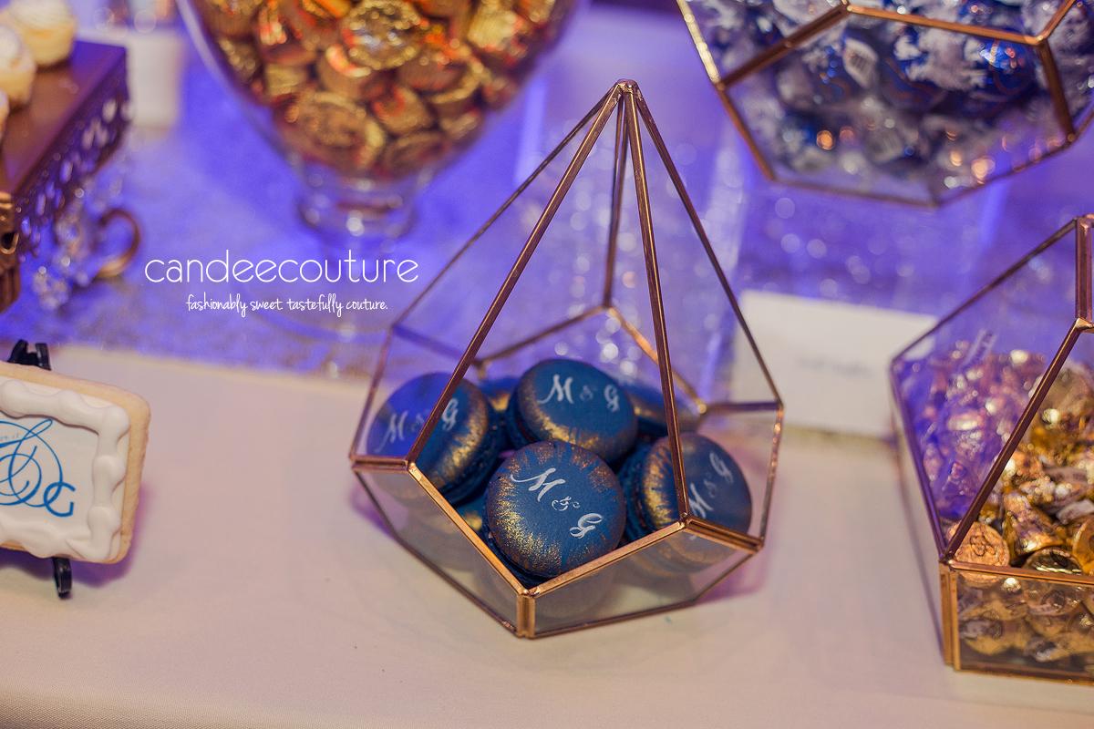 monogram macarons, wedding macarons, elegant macarons, blue macarons, initial macarons, macarons with initials, blue macarons, macarons, gold and blue macarons