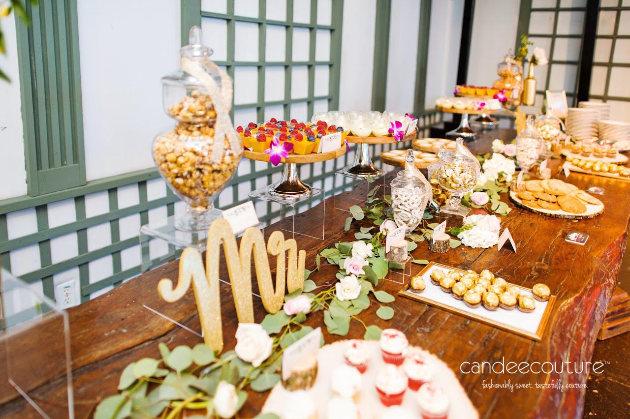 Modern Rustic Wedding, Wedding, luxury wedding, outdoor wedding, outdoor wedding dessert table, dessert, indian dessert, indian wedding dessert, cupcakes, cookies, mango panna cotta, ras malai, chocolate, rustic, rustic wedding decor,